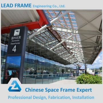 Long span steel space frame truss for railway roof
